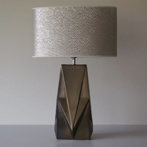 Lampa-VICKY-z-korpusem-w-kolorze-starego-matowego-zlota.jpg
